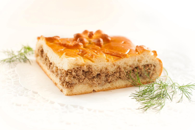 Дрожжевой закрытый пирог с мясом рецепт
